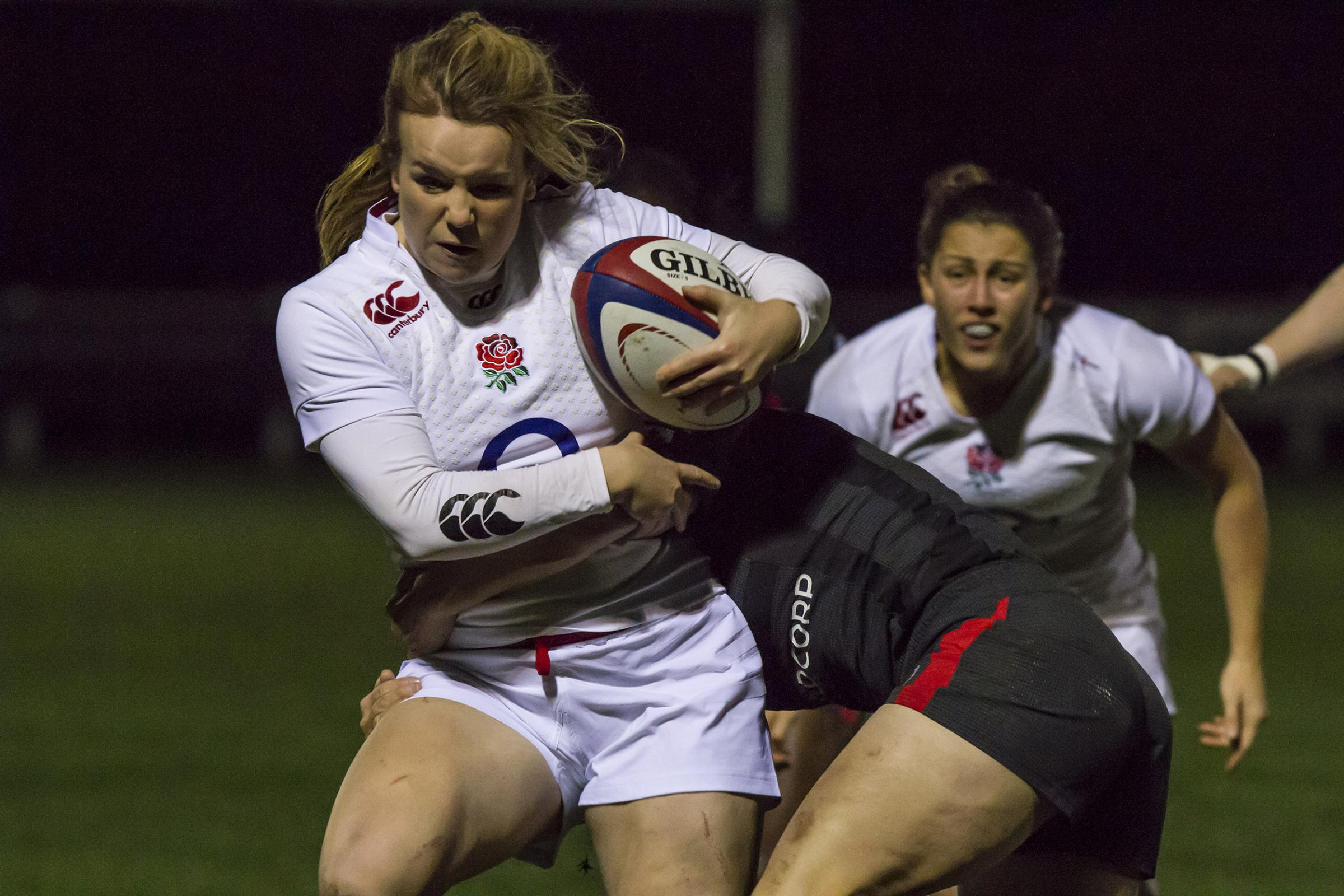 """I revel in it!"" Lark Davies talks about life as a full-time pro player"